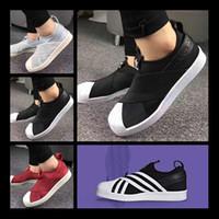 erkek kemeri ayakkabıları toptan satış-Designer shoes Adidas men women Ücretsiz kargo Fabrika Fiyat Yaz Erkek Kadın Shell Toe Siyah Beyaz Düşük Nefes Ayakkabı Süperstar Çapraz Kayış Rahat Ayakkabılar Üzerinde Kayma