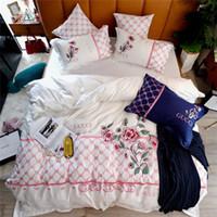 conjuntos de cama vermelha amarela venda por atacado-6 Cores Conjuntos de Cama Selecionáveis Branco Amarelo Marinho Vermelho Azul Marrom Folha de Capa de Cama Com Fronha Moda Bordados Conjuntos de Cama