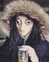 cadılar bayramı için kadın kostümleri toptan satış-Ölüm Oyunu MOMO Maske Korku Korku Lateks Maske Cadılar Bayramı Kostüm Dikmeler Kadın Hayalet Peruk Festivali Parti Malzemeleri JK1909 Çalma