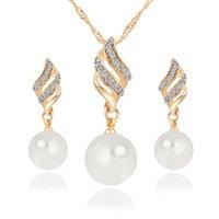 ingrosso orecchino della collana del choker del rhinestone-Set di gioielli da sposa Collana di perle simulato Set di orecchini a forma di strass Orecchini Set di gioielli a spirale per Lady Girl Choker