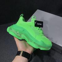 en iyi tasarımcı ayakkabı erkek toptan satış-Tasarımcı Üçlü S Rahat Ayakkabı Erkekler Yeşil Üçlü S Sneaker Kadın Deri Rahat Ayakkabılar Düşük Üst Dantel-Up Rahat Düz Ayakkabı Ile Temizle Sole