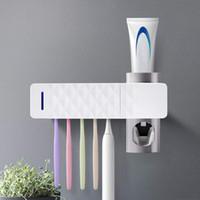 uv zahnbürste groihandel-UV Zahnbürstenhalter Zahnpasta-Zufuhr Set, USB Charging Hanging Zahnbürste Sanitizer mit Aufkleber für Familienwaschraum Badezimmer