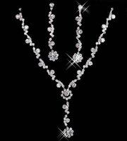 collares de perlas de la boda para las novias al por mayor-2020 elegante collar de joyería nupcial aleación plateada diamantes de imitación perlas cristal conjunto de joyas para boda novia dama de honor envío gratis en 15049