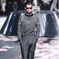 homens stripe suéteres venda por atacado-19FW Luxo Padrão Europeu Stripe Printing Sweater Moda Confortável Solto Algodão Pulôver Das Mulheres Designer De Camisola Dos Homens HFYYMY002