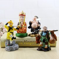 homens de moda de areia venda por atacado-Resina Artesanato Ornaments Tang Yin Homens e Mulheres Criativas Sun Wukong Porco Oito Anel Areia Monge Moda Enfeites de Venda Quente