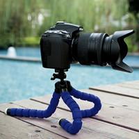 телефон с осьминогами оптовых-Universal Mini Octopus Flexible Small Lightweight Portable Tripod Sponge Stand Holder For Mobile Phones Cameras