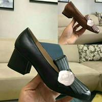 ingrosso bottoni per le scarpe-Scarpe da barca classiche con tacco medio Design di lusso in pelle Occupazione tacchi alti Scarpe Testa tonda Bottone in metallo Donna Scarpe eleganti Taglia 34-42