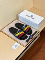 yeni moda terlik erkekler toptan satış-Kutu ile 19ss Yeni Lüks Tasarımcı Verilen Renkli Kurdela Flip Flop Sandalet Moda Erkek Kadın Kaydırıcılar Yaz Plaj Terlik Açık ayakkabı