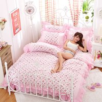cama de ruffle branco cheio venda por atacado-Luxo White Lace Princesa conjuntos de cama edredon cobrir Set 4pcs flor rosa Ruffles completo queen size Colcha Roupa de cama Lençol
