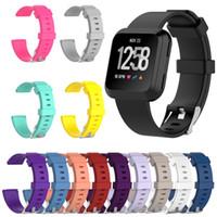 relojes de pulsera unisex al por mayor-Sustitución de color de moda pulsera de F Versa Lite / Smart reloj Versa 2 Generación de la correa de silicona brillante pulsera unisex Sport