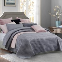 Wholesale bedspread king sized for sale - Group buy PHF Beauty Covers And Bedspreads Velvet Bedding Set Luxury Soft Lightweight Bed Linen Queen King Size Grey Pink Silver T200706