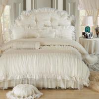 edredão de casamento princesa venda por atacado-Bege Lace Princesa Quilt / duvet cover rainha do rei 4 / 6pcs 100% algodão Ruffles colcha de cama saias lençóis de cama conjuntos de casamento