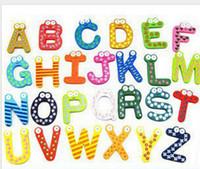 palavras do ímã venda por atacado-Palavras Imãs de geladeira Crianças Crianças De Madeira Etiqueta Magnética Dos Desenhos Animados Do Alfabeto Educação Aprendizagem Brinquedos Casa Decorações Frete Grátis