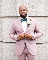 blazers de esmoquin rosa para hombres al por mayor-Nuevo diseño Pink Groom Tuxedos Groomsmen Notch Lapel Mejor traje de hombre de la boda de los hombres trajes de chaqueta por encargo (chaqueta + pantalones)