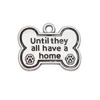 osso de cachorro em forma de encantos venda por atacado-Atacado Alloy Dog Bone forma encantos até que todos eles têm uma casa cão Paw Print encantos 20 * 25 mm 50 pcs AAC974