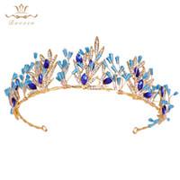 ingrosso blu corona tiaras-Nuove scintillanti spose Blue Crystal Tiaras Crowns Gold Wedding Hairbands Accessori per capelli da sera Gioielli per capelli da sera C18122501