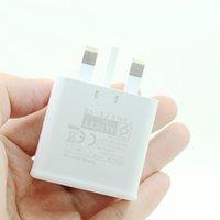 uk iphone adapter usb venda por atacado-Adaptador de parede Carregador UK plug USB 3 portas de carregamento portátil para Mobile Phone Viagem FKU66