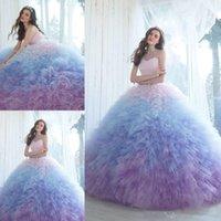 ombre ruffled dress toptan satış-Ombre Balo Quinceanera elbise Sevgiliye Boyun Çizgisi Balo Abiye Şapel Uzunluğu Tül Ruffled Tatlı 16 Elbise