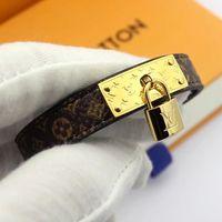 accesorios de moda de calidad al por mayor-Nuevo estilo de pulseras de cuero genuino con diseño de accesorios de bloqueo de oro para las mujeres de calidad superior de lujo patrón de flores pulsera joyería de moda