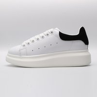 kadınlar için siyah deri yastıklar toptan satış-Alexander MC QUEEN McQueen ACE Black white red Brand Fashion Luxury Designer Women Shoes Gold Low Cut Leather Flat designers men womens Casual sneakers 36-44