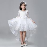 vestido de cola de milano de las muchachas al por mayor-Encaje elegante mangas largas princesa Girls Dovetail vestido niños niños arrastrando lentejuelas flor blanco fiesta de cumpleaños vestido de fiesta
