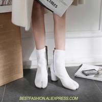 weiße chunky ferse stiefeletten großhandel-Ankle Booties Weiß Schwarz Kurze Stiefel Zapatos Mujer Neue Designer Frauen Stiefel Chunky Heels High Echtes Leder Frauen Damen Schuh