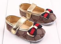 niños zapatos de princesa verde al por mayor-Niños verano para niños de la PU el primer caminante del zapato de bebé de moda antideslizantes zapatos de niño de los zapatos de bebé de 0-1 años los zapatos de niña