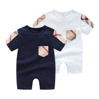 kaliteli bebek kıyafetleri toptan satış-Perakende yüksek kaliteli bebek elbiseler pamuk karikatür tarzı erkek giysileri için yenidoğan bebek kız giyim bebek tulum bebek giysileri