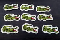 costura de ropa al por mayor-Nuevo patrón de cocodrilo animal parches bordados para coser bolsa de ropa parches de hierro en accesorios de costura apliques