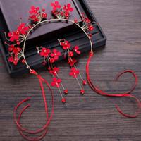 tiara krone gesetzt rot großhandel-Rote Perle Blume Blumen Band Frauen Kopfschmuck Noiva Tiara Krone und Ohrring Set Hochzeit Haarschmuck Brautschmuck Set VL