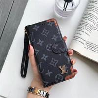 iphone handgelenkmappe großhandel-Für iphone x / xs max / xr 8/7/6 plus brieftasche telefon case designer monogramm premium rückseitige abdeckung karte handschlaufe stoßdämpfung schutzhülle