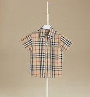 camiseta de xadrez venda por atacado-Em estoque 4 cores 2019 venda Quente novo estilo de verão menino Inglaterra vento xadrez camisa de algodão de alta qualidade camisa de lapela Bonito frete grátis