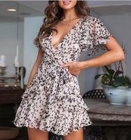vestido modelo super venda por atacado-2019 modelos de explosão europeus e americanos primavera e verão super sexy profunda V saia curta floral babados túnica chiffon vestido