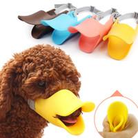 latindo focinho venda por atacado-Focinho do cão de Silicone Pato Bonito Máscara De Boca Focinho Mordida Parar Pequeno Cão Anti-mordida Máscaras Para Produtos Do Cão Animais de Estimação acessórios