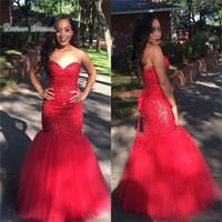 sirena de encaje negro cariño al por mayor-African Black Girls vestidos de baile 2019 Sexy Red Mermaid Sweetheart con cordones de perlas de graduación desgaste formal vestidos de fiesta de noche más tamaño
