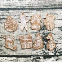 etiquetas do presente do kraft do natal venda por atacado-Papel Kraft multi Estilo Tags porta Biscuit Sinos Forma de suspensão Tag Mini Card Mensagem de Natal Party Supplies 50pcs Per Pack 3 1lc E1