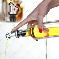 ingrosso bottiglie di vino flip top-Spruzzatore di olio d'oliva Distributore di liquore Distributore di liquori versatore Bottiglia di vino liquido Beccuccio versatore Versatore con tappo Flip Top Bicchieri Utensili da cucina