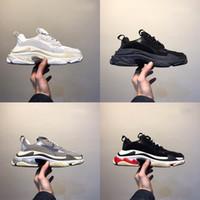 zapatillas de mujer negras al por mayor-Zapatos de la moda de París 17FW Triple-S Triple S zapatilla de deporte de lujo Desi papá para Hombres Mujeres Beige Negro Deportes de los zapatos corrientes 36-45