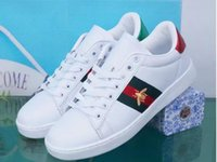 beyaz malzeme çiçekleri toptan satış-Erkek tasarımcı lüks ayakkabı Rahat Ayakkabılar beyaz erkek kadın sneakers gelişmiş malzeme Arı çiçek yılan kalp aşk Hakiki Deri