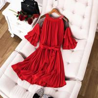 ausgefranstes faltenkleid großhandel-Milan Runway Dress 2019 Schwarz / Rot Flares Ärmel Schulter Brief Damen Kleid Designer Falten Vestidos De Festa yy-45