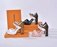 gesicht fersen großhandel-Neue High-End-Marke Sommer Damen Sandalen aus hochwertigem Leder flache weibliche weiche Gesicht dicke Ferse Sandalen 35-40 Meter versandkostenfrei