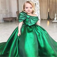 vestido de festa de criança verde venda por atacado-Esmeralda Verde Meninas Pageant Vestidos Grande Arco Frente Árabe Little Kids Criança Partido Prom Vestidos Flor Menina Vestido Barato