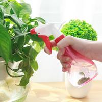 kleine gießkanne kunststoff großhandel-Hot 250ml Gartengeräte kleine Dose Bewässerung Blume Spray Topf Pflanze Sprühflasche Hand Druck Bewässerung Flasche