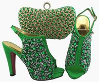 armee grüne kleid schuhe großhandel-Wunderbare Armee grüne Frauen Pumpen und Tasche mit bunten Kristall Dekoration afrikanische Schuhe passen Handtasche für Kleid QSL005, Ferse 12cm