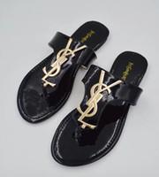 ingrosso scarpe da faccia animale-Cinghia di gomma nera 2019 verde rosso e bianco design a strisce da uomo classico femminile scatola magica MS estate clamshell pantofole