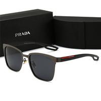 kutular güneş gözlüğü toptan satış-Erkekler yüksek dereceli deri tasarımcısı sunglass tutum güneş gözlüğü kare logo lens erkekler tasarımcı güneş gözlüğü ile parlak Siyah Yeni Kutusu P0120