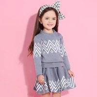 abrigo largo de invierno para niñas al por mayor-Bear Leader Girls Dress 2018 Winter Geometric Pattern Dress Ropa de manga larga para niñas Top Coat + Tutu Sweater Knitwear 2pcs