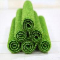 ingrosso tappeto falso-Mayitr erba tappeto verde prati artificiali tappeti erbosi falso soda casa giardino muschio per la casa decorazione di cerimonia nuziale del pavimento C19041302