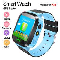 el feneri izleme toptan satış-çocuk emniyetli saatler için el feneri bebek saati olan Q528 çocukların akıllı saat 1,44 inç SOS çağrısı konumu izleme cihazı