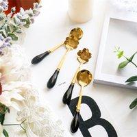 flores de rosas cerâmicas venda por atacado-Flor do metal colheres de cerâmica Mão Encantadora criativa de café colher colher de sobremesa Rose Gold Kitchen Supplies 2 7qd UU